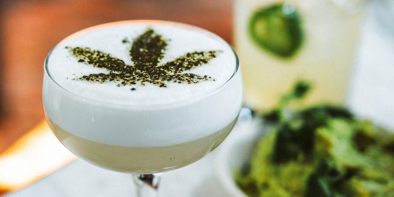Kann man CBD und Alkohol trinen?